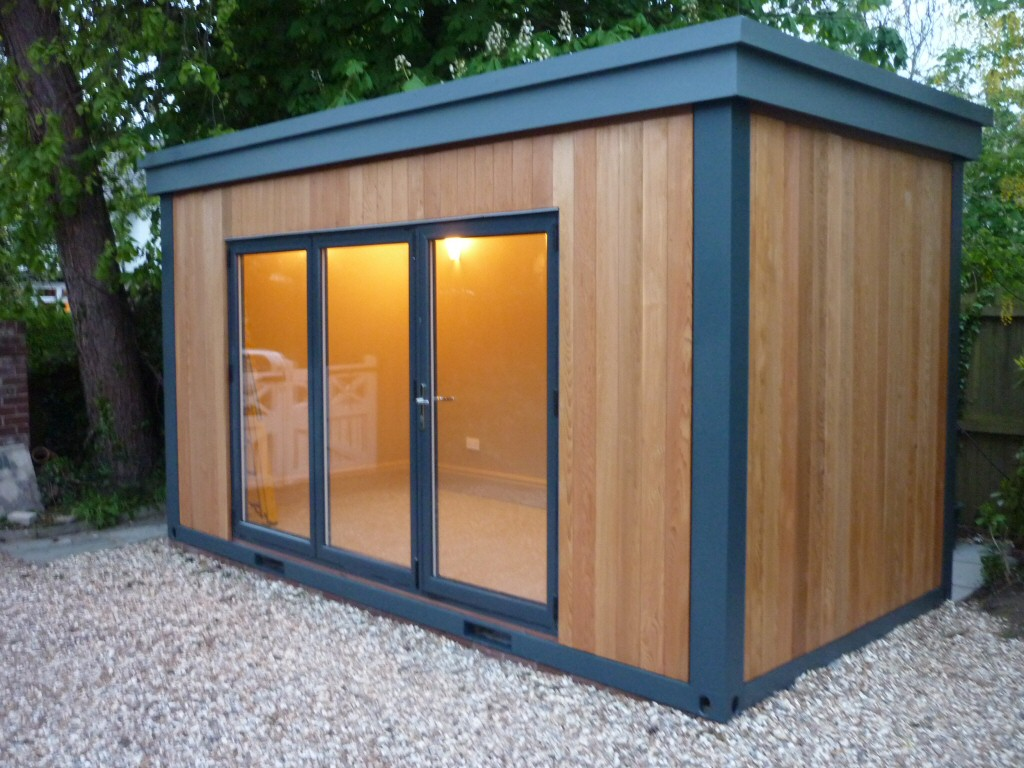 We can also supply units for garden offices, gyms or a servery for buffets and drinks when entertaining outdoors.